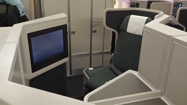 CX Business Class Seat 4