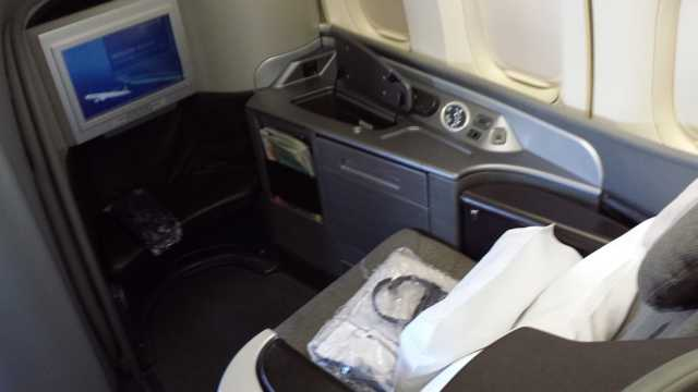 United First Class Seat 4